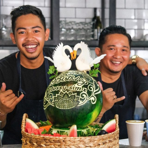"Brunch Club_2019-09-27 Brunch Club on Instagram ""So there's just a bit of talent hiding behind the bar at BCB • #fruitcarvin[...]"